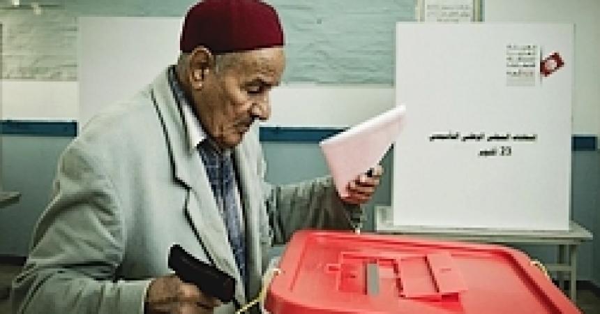 Tunisia: il paese alla vigilia del voto fra accuse di brogli e minacce di terrorismo
