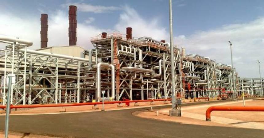 Algeria: verso modifica legge che frena investitori esteri