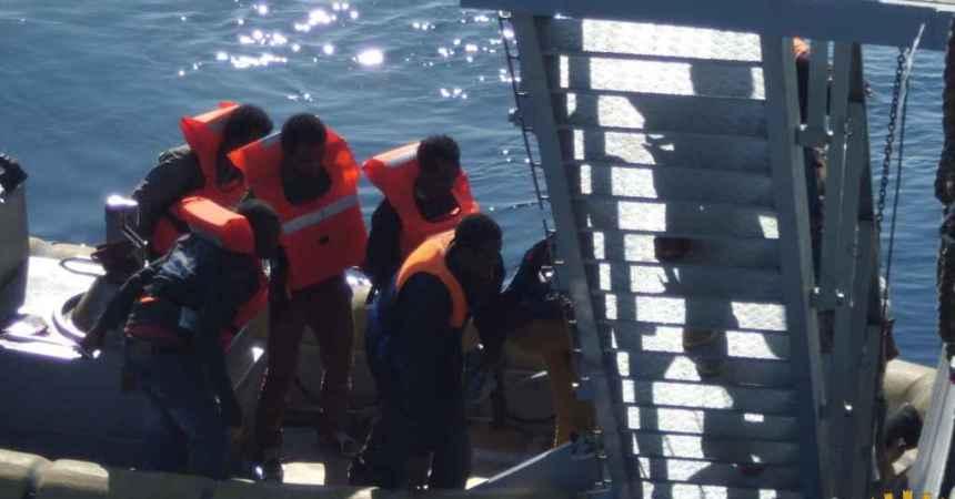 Naufragio nel Canale di Sicilia 18 morti e 76 immigrati in salvo