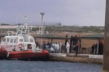 Immigrazione: nuova tragedia in mare, 29 migranti morti assiderati