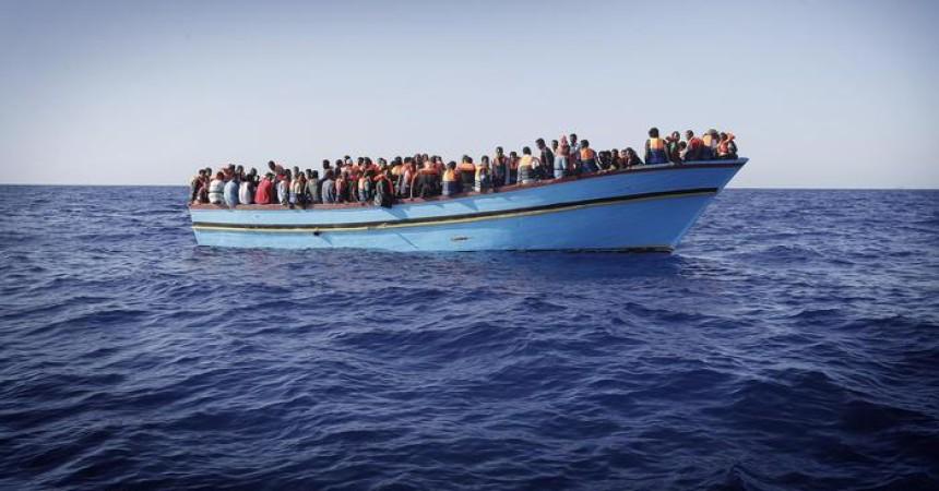 Immigrazione: Frontex, tra 500mila e 1 milione di migranti pronti a partire da Libia