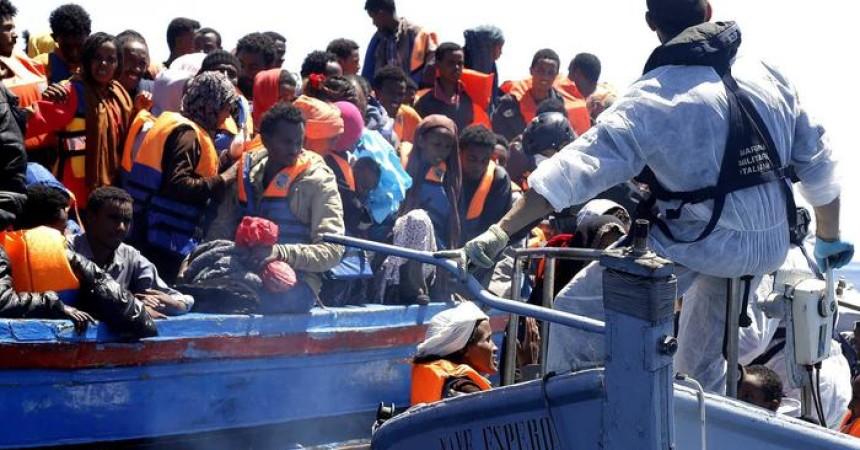 Migranti: tensioni a Lampedusa nel giorno dell'anniversario della strage del 2013