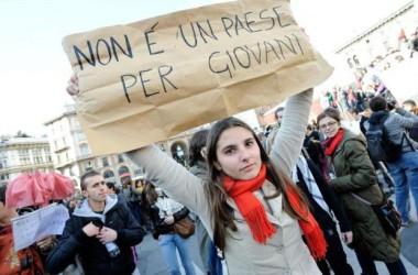 Disoccupazione giovanile: dati allarmanti. L'Unione Europea stanzia un miliardo