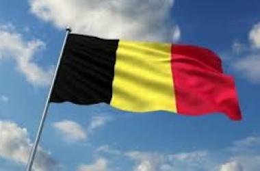 Bruxelles: la bandiera del Belgio su palazzo Regione Sicilia