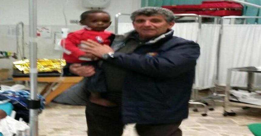 Migranti, la bimba salvata dal naufragio è giunta a Palermo