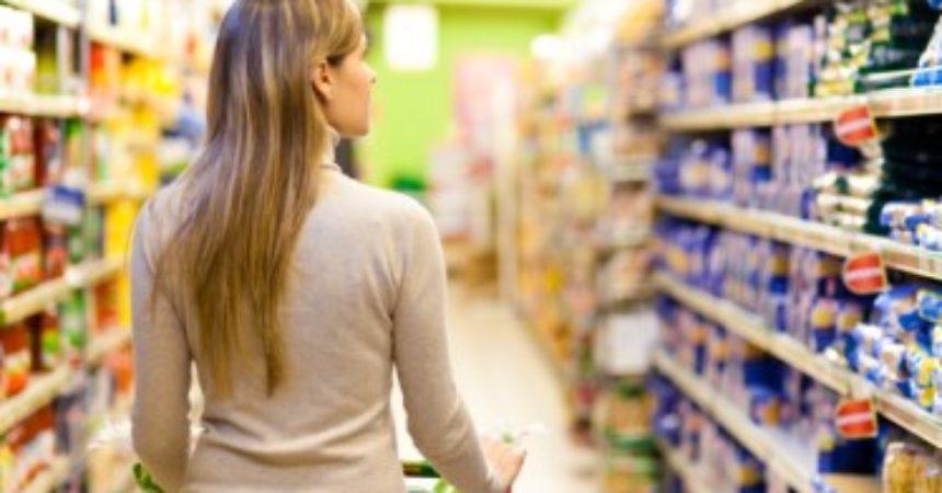 Cresce fiducia consumatori, in calo per le imprese