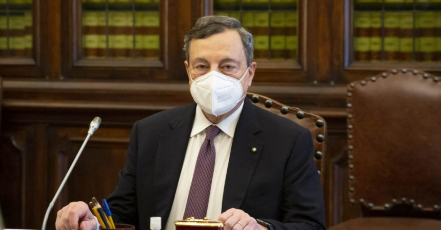 """Cdm vara il decreto Sostegno da 32 mld, Draghi """"Risposta significativa"""""""