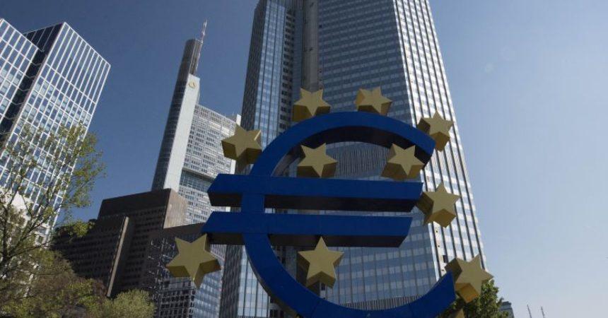 Bce, prospettive ancora incerte per andamento contagi e vaccini