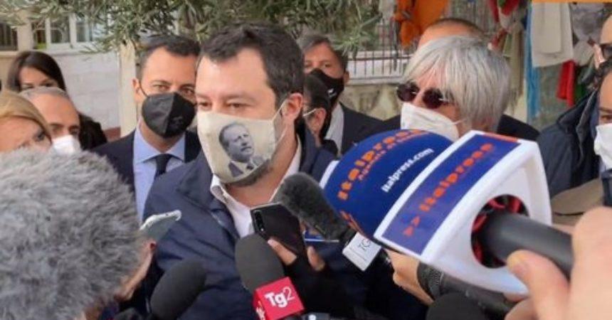 """Salvini """"Lavoriamo con Draghi per riaprire dopo Pasqua"""""""
