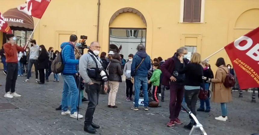 Scuola, a Montecitorio protesta contro la Dad