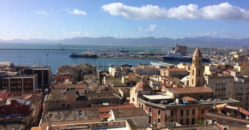 Covid, dal 26 aprile solo la Sardegna in zona rossa