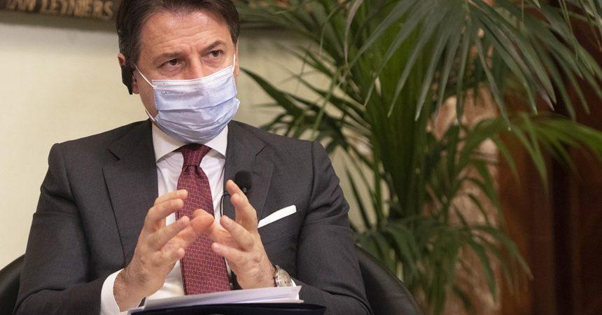 """Conte """"I ministri della Lega scelgano tra Governo e propaganda"""""""