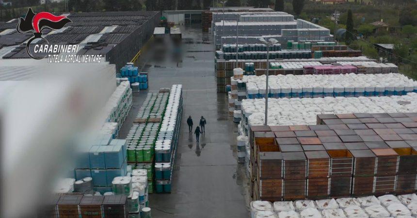 """Sequestrate tonnellate falso """"pomodoro 100% italiano"""" nel livornese, 6 indagati"""