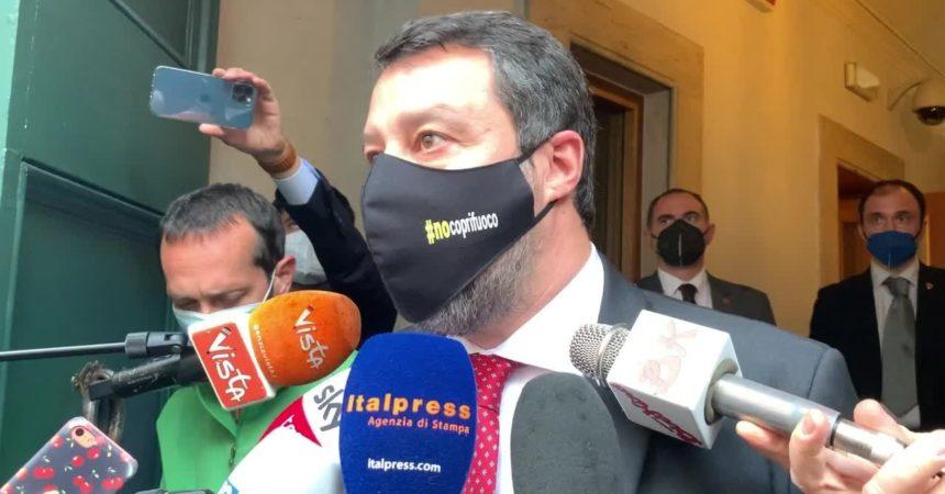 """Salvini """"Intervenire a gamba tesa sul Codice degli appalti"""""""