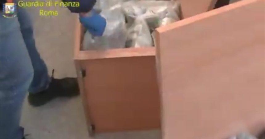 Al porto di Civitavecchia con 200 kg marijuana, arrestato corriere sardo