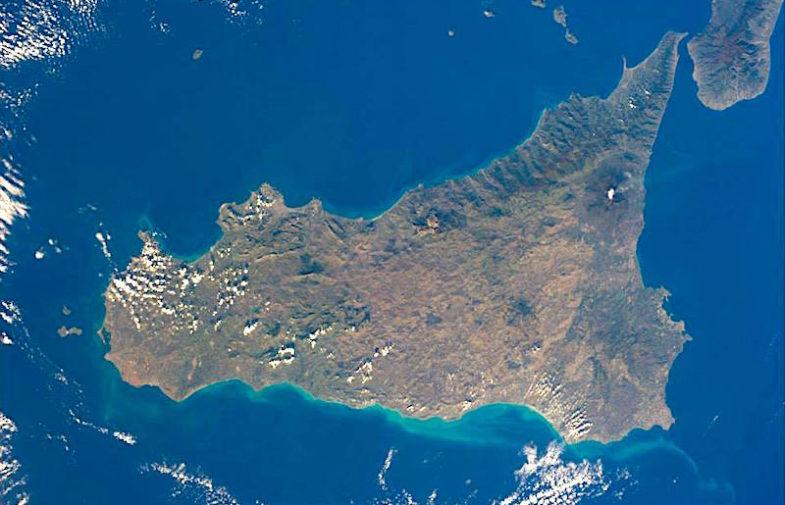 Sicilia,l'insularità costa ai Siciliani 6 miliardi di euro l'anno