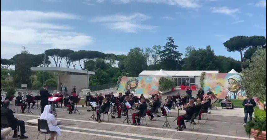 Al Policlinico Gemelli concerto banda musicale Arma carabinieri