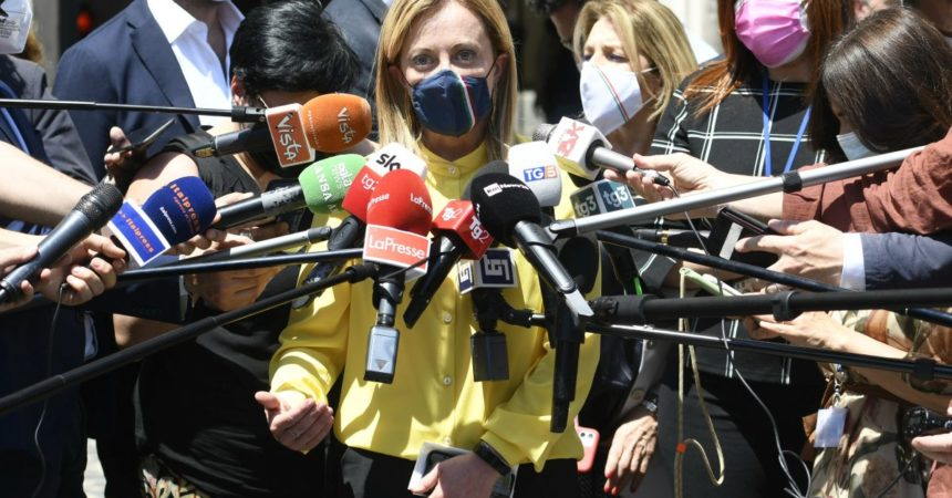 Media, Giorgia Meloni domina su radio e tv