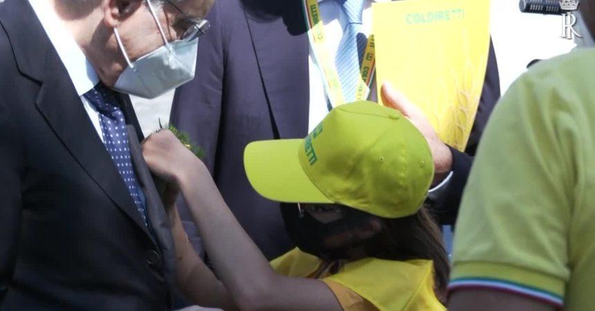 """Mattarella: """"Offrire a giovani occasioni per riflettere su futuro"""""""