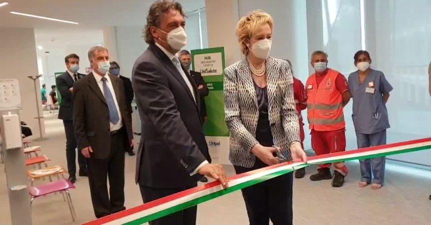Vaccino, Unipol inaugura primo hub aziendale a Milano