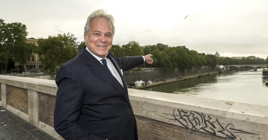 """Svelato il Ponte Farnese, Salini """"Ripresa passa anche da sostegno arte"""""""