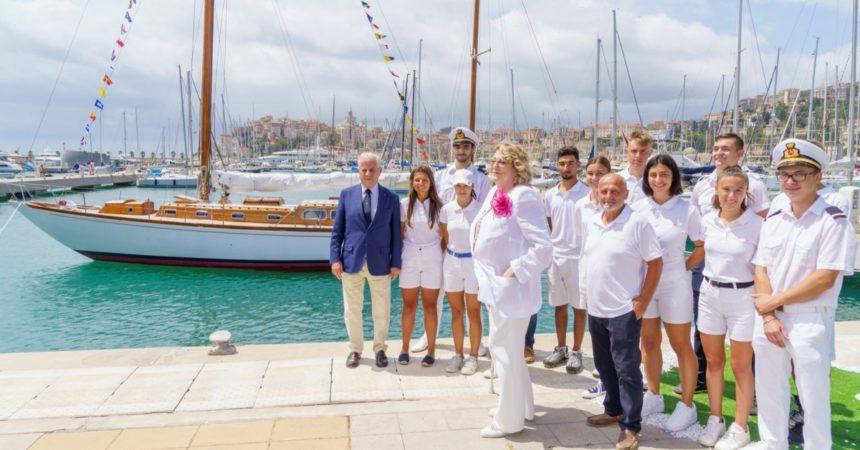 """Diana Bracco dona la barca storica """"Beatrice"""" al Comune di Imperia"""