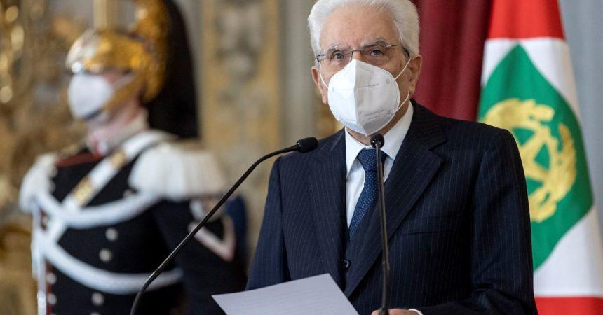 """Mattarella conferisce """"motu proprio"""" onorificenze a Nazionale"""