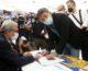 "Renzi firma per i referendum ""Battaglia per la giustizia giusta"""