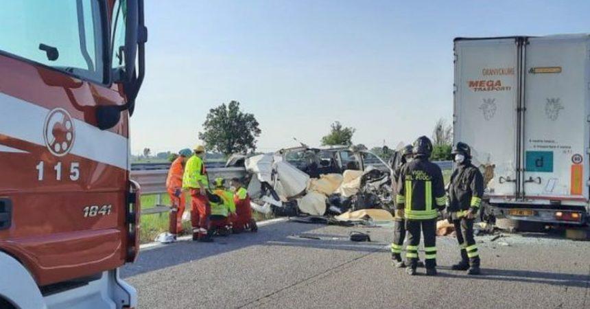 Nel 2020 in calo incidenti stradali, morti e feriti