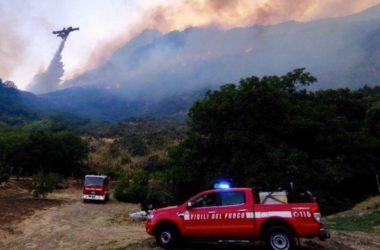 Incendi, Sicilia chiede stato mobilitazione Protezione civile al Governo