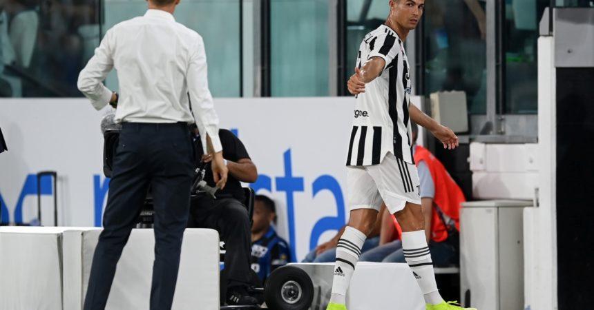 """Allegri """"Ronaldo mi ha detto che non vuole rimanere alla Juve"""""""