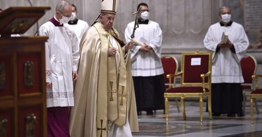 "Afghanistan, Papa Francesco ""Paesi accolgano chi cerca nuova vita"""