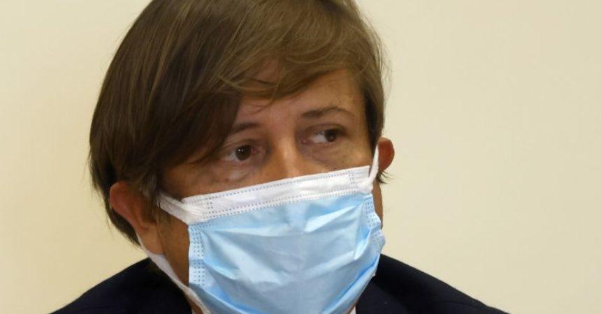 """Vaccino, Sileri """"Medici e farmacisti per convincere 3,7 mln over 50"""""""