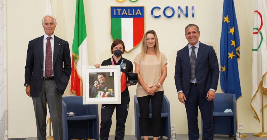 Malagò e Vezzali festeggiano il trionfo olimpico della Pesistica