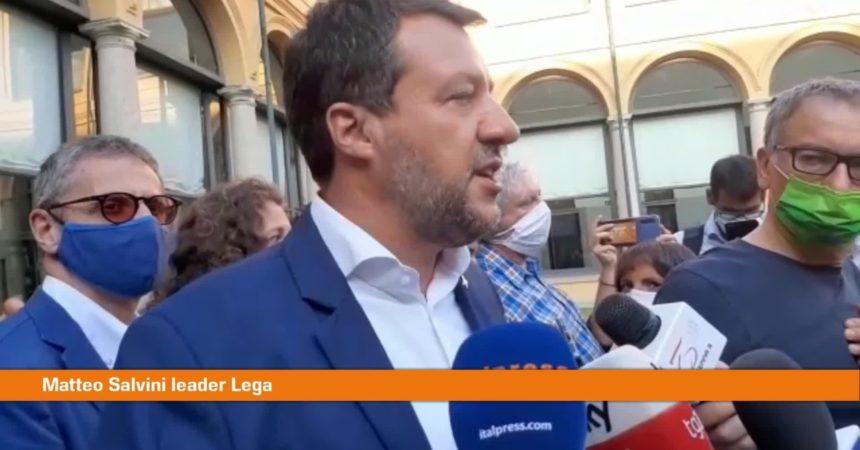 """Vaccino, Salvini """"Obbligo dovrebbe prevedere risarcimenti"""""""