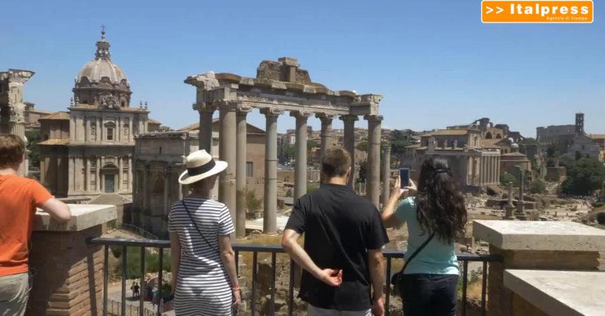 Turismo in tempo di pandemia, italiani scelgono svolta country