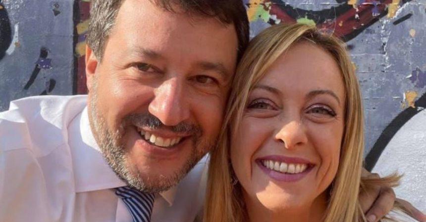 """Abbraccio Meloni-Salvini a Roma """"Destinati a governare insieme"""""""
