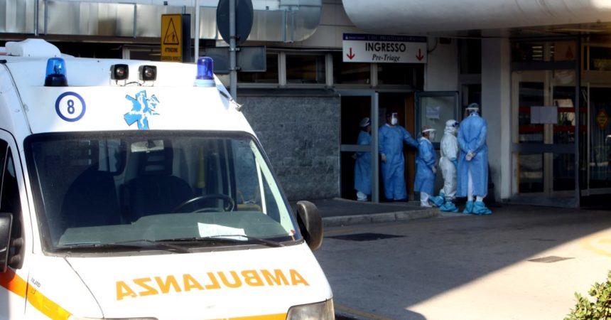Covid, 2.968 nuovi casi e 33 decessi in 24 ore