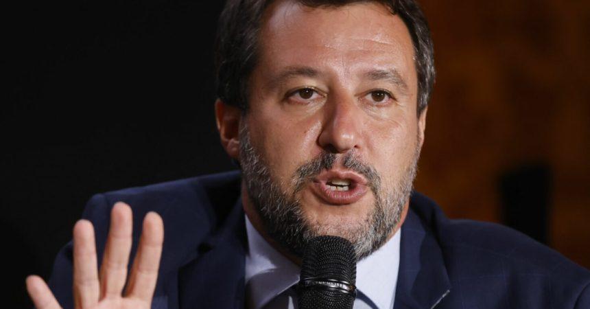 """Salvini """"Il centrodestra unito vince ma scegliere prima i candidati"""""""