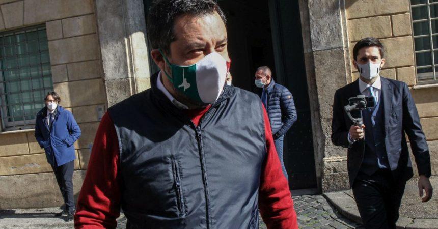 """Salvini """"Al Governo per ridurre tasse, se vogliono escano Letta e Conte"""""""