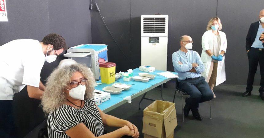 Vaccino, al via a Palermo terze dosi per il personale sanitario
