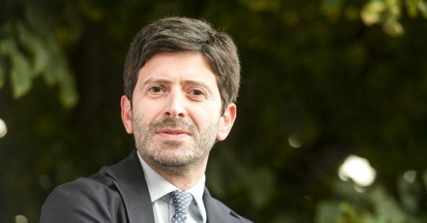 """Covid, Speranza """"Italia bianca bella notizia ma serve ancora cautela"""""""