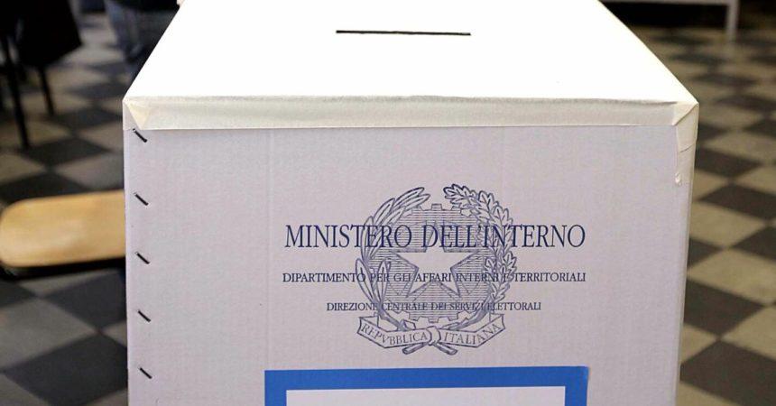 Amministrative, seggi aperti in Sicilia