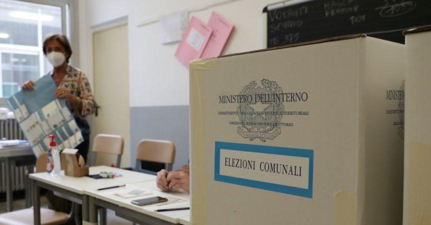 Amministrative, in Sicilia premiato asse Pd-M5s e bassa affluenza