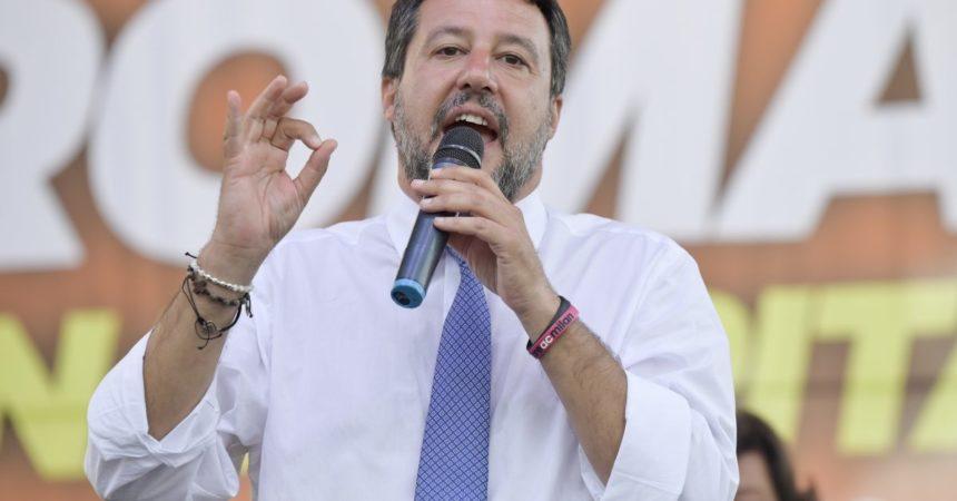"""Salvini """"Ho chiesto un incontro a Draghi, così non si va lontano"""""""