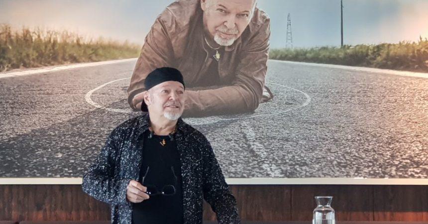 """""""Siamo qui"""", Vasco Rossi torna con un nuovo album"""